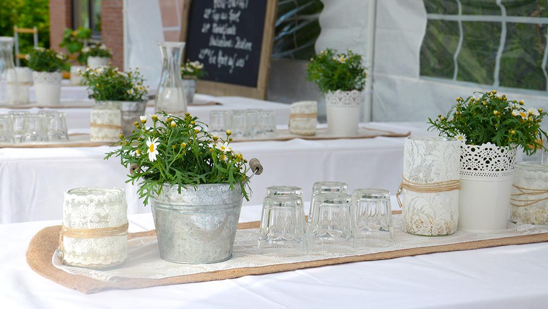 Tischdekoration zum Beispiel Juteläufer und Spitzenläufer vom Hochzeitsglück Minden im Umkreis von Minden, Bielefeld und Herford