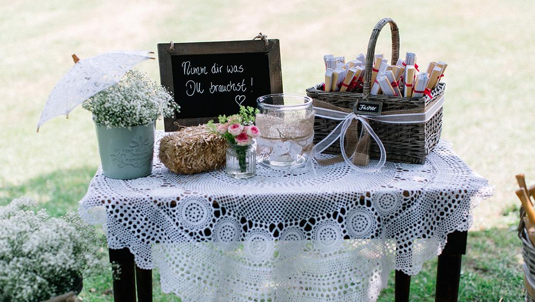 Outdoor Wedding mit Hochzeitsdekoration von Hochzeitsglück für die Region Schaumburg, Uchte und Petershagen