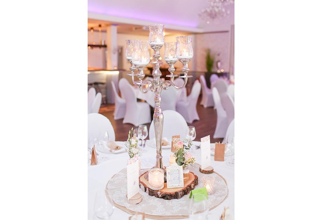 Hochzeitsdeko vom Hochzeitsglück im Waldhotel Morhoff in Petershagen in der Nähe von Minden
