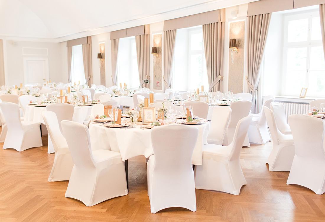 Hochzeitsdekoration vom Hochzeitsglück auf dem Schloss Ovelgönne in Bad Oeynhausen