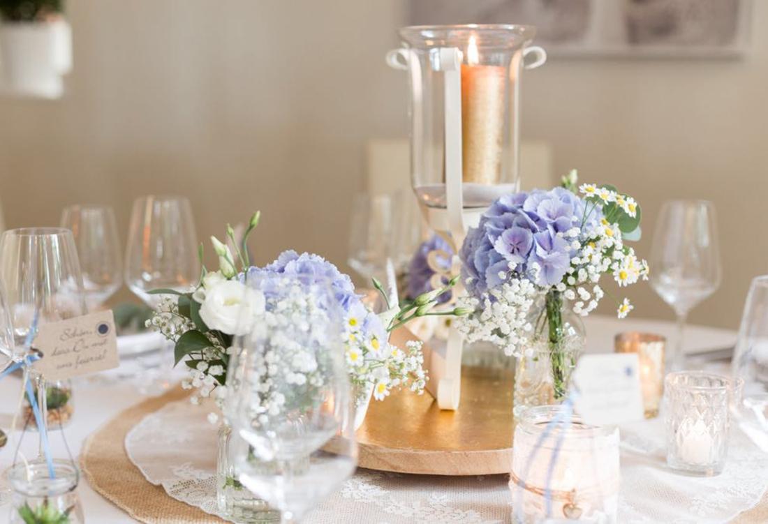 Tischdekoration vom Hochzeitsglück in der Alten Schule bei Uchte im Raum Minden