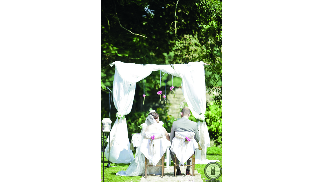 Freie Trauung liebevoll dekoriert vom Hochzeitsglück in der Region Uchte, Petershagen und Minden