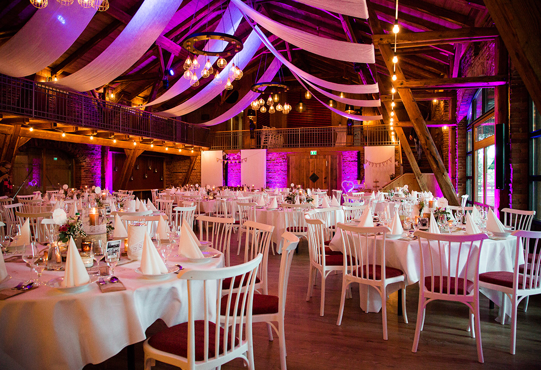 Hochzeitsdekoration Hof Frien in Höfen Uchte - vom Hochzeitsglück Minden