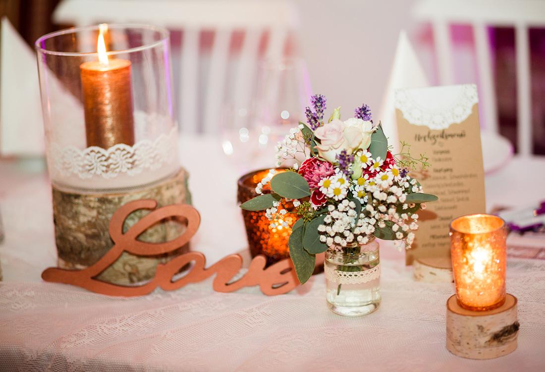 Hochzeitsdekoration vom Hochzeitsglück aus Minden auf Hof Frien in Höfen Uchte