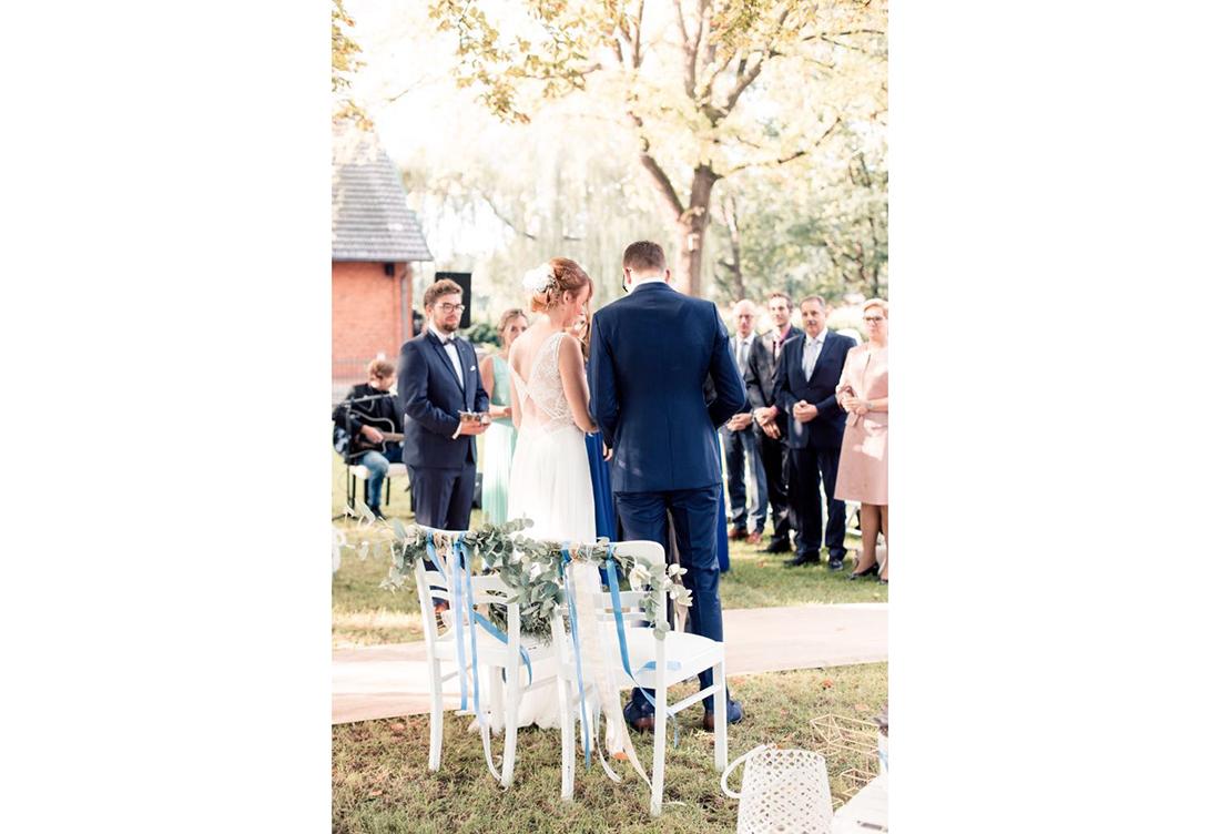 Hochzeitsdekoration zur freien Trauung bei der Alten Schule in der Nähe von Uchte vom Hochzeitsglück