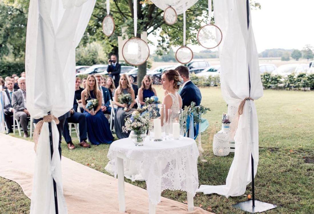 Henrike & Jörn, Freie Trauung bei Uchte - Hochzeitsdeko von Hochzeitsglück