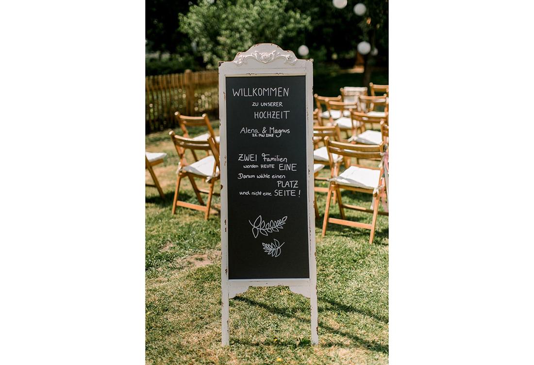 Hochzeitsdekoration zur freien Trauung bei dem Gerhannfors Hof vom Hochzeitsglück