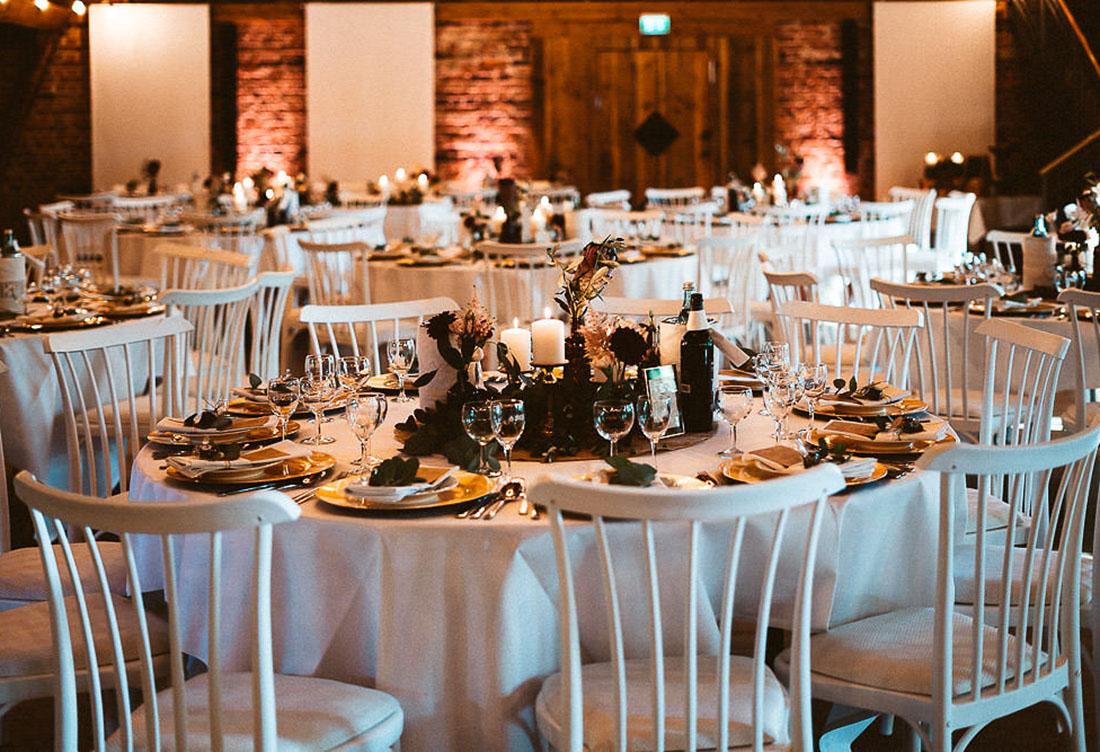 Tischdekoration vom Hochzeitsglück auf dem Hof Frien bei Uchte im Raum Minden