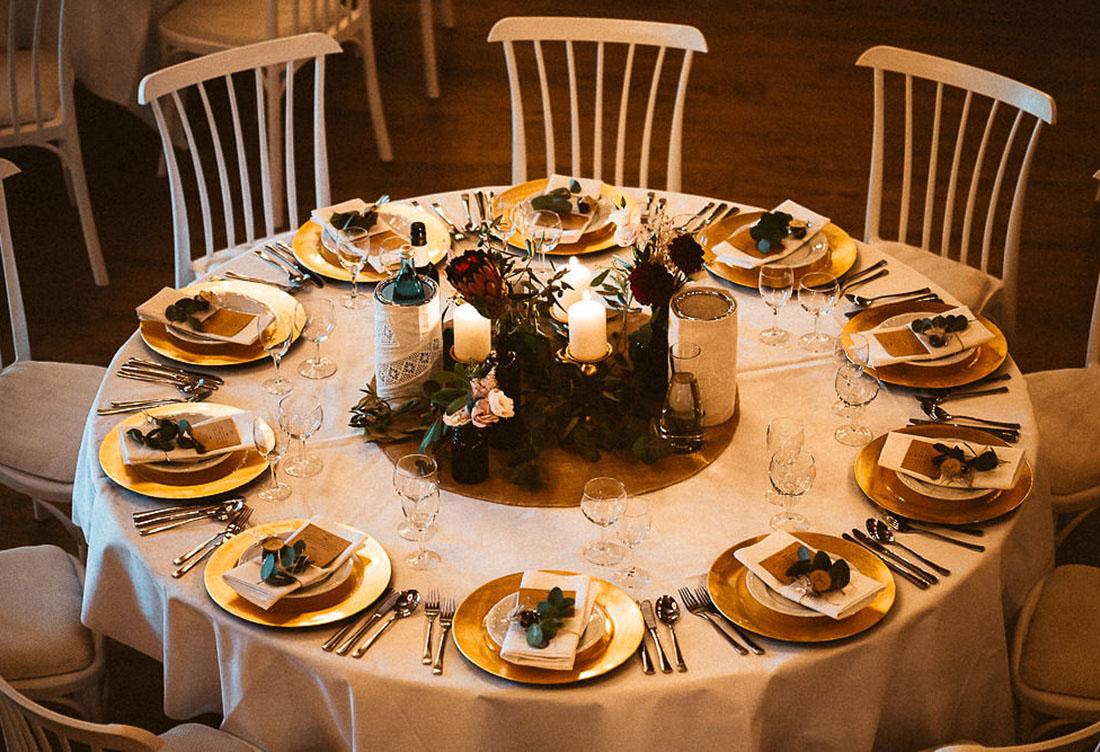 Tischdekoration zur Hochzeit vom Hochzeitsglück auf dem Hof Frien bei Uchte im Raum Minden