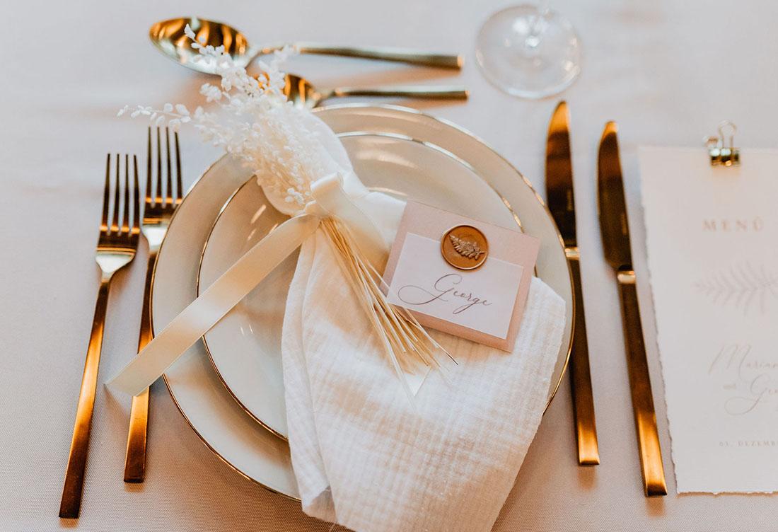 Winterhochzeit Tischdekoraton vom Hochzeitsglück in Uchte auf Hof Frien