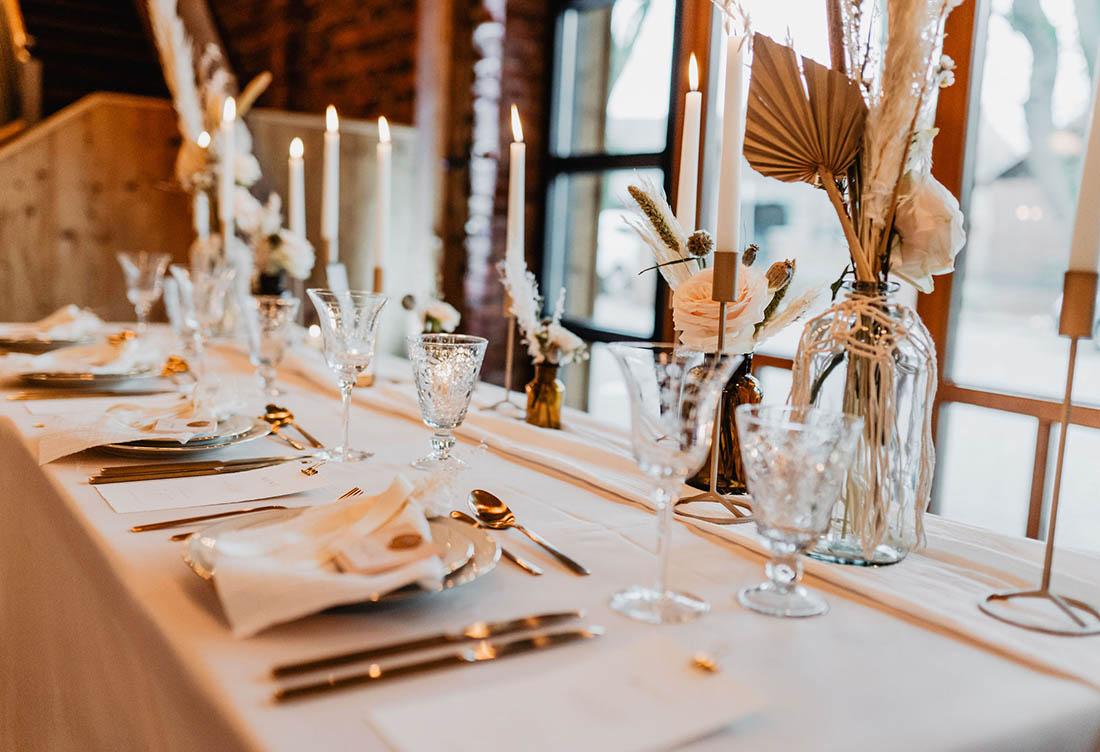 Winterhochzeit auf Hof Frien – Hochzeitsdekoration vom Hochzeitsglück bei Uchte im Raum Minden